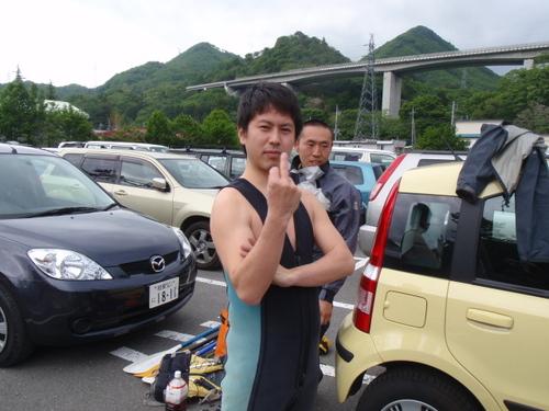 熱い男の裸ライジャケ